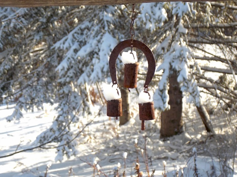 wind-chimes-in-snow-it's winter!