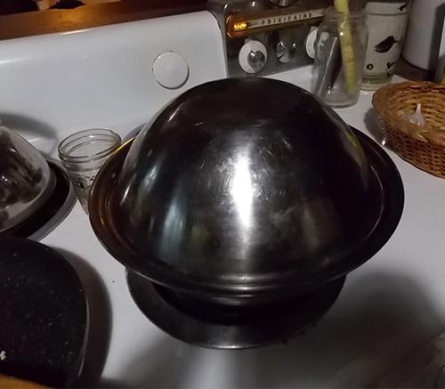 Separating garlic cloves